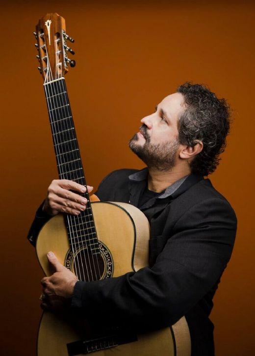 Violonista Rogério Caetano celebra Dino Sete Cordas, Villa-Lobos e Yamandu Costa em álbum solo