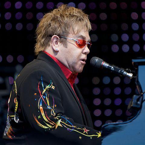 Elton John anuncia suas derradeiras apresentações na Europa, EUA e Canadá