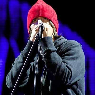 Disco novo do Red Hot Chili Peppers está quase pronto, diz Frusciante