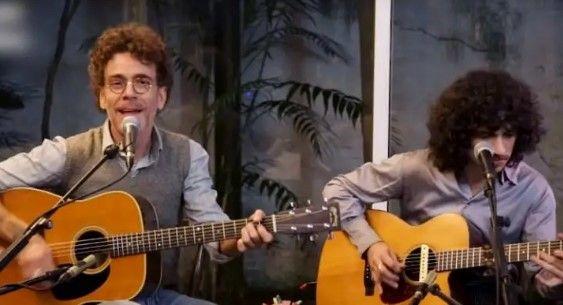 Veja a live feita por Nando Reis com seu filho Sebastião e abertura de Chico Chico