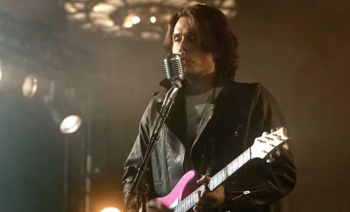 """John Mayer lança """"Last Train Home"""", sua primeira inédita em dois anos; assista ao clipe"""