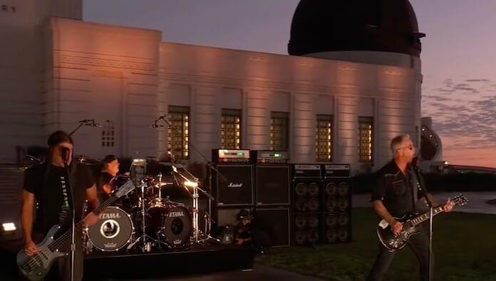 Metallica faz bonito e toca clássicos em cartão postal de Los Angeles